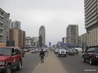 Boulevard du 30 juin à Kinshasa, décembre 2010.