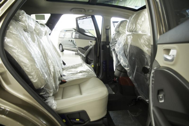 Nội thất xe ô tô 7 chỗ Hyundai Santafe Màu Nâu 03