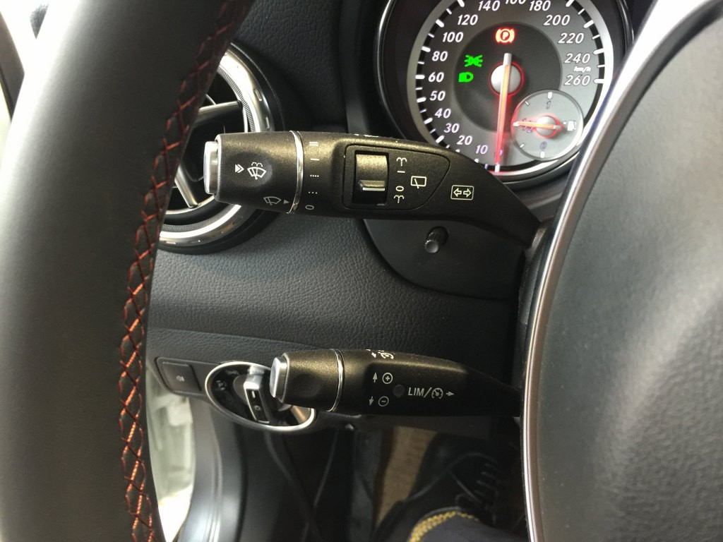 Giá Xe Mercedes Benz GLA250 e