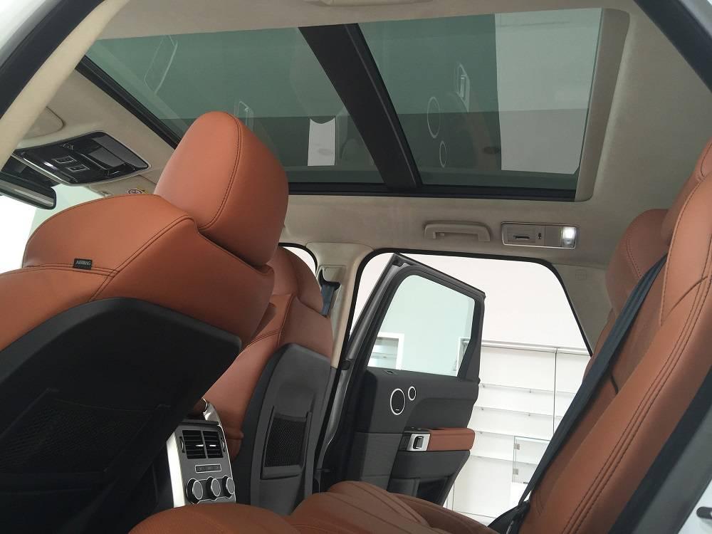 Xe Land Rover Range Rover HSE Sport Màu Trắng 012