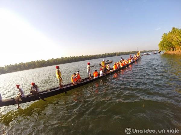 Kerala-backwaters-Kollam-4.jpg