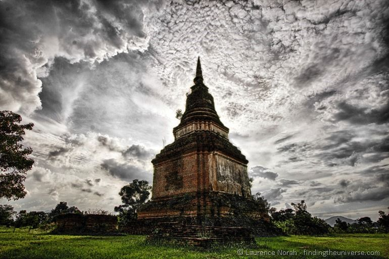 Sukhothai lonely wat clouds HDR 2