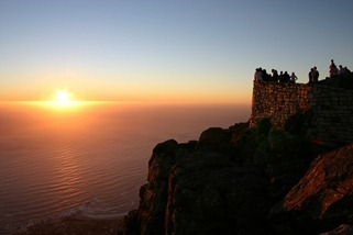Waiting_Sunset_Table_Mountain_Cape_Town_South_Africa_Luca_Galuzzi_2004