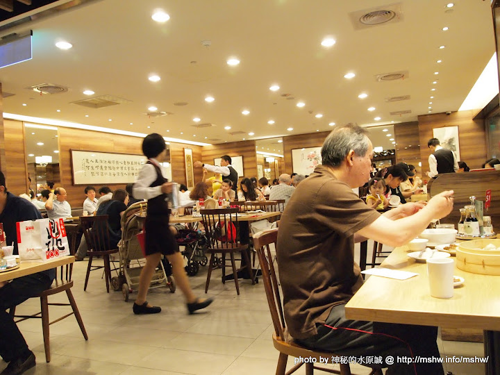 """【食記】有傳說中的那麼好吃? ~ 新竹東區""""鼎泰豐""""遠百店 包子類 區域 午餐 新竹市 晚餐 東區 飲食/食記/吃吃喝喝"""