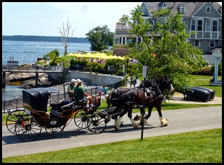 04e - Downtown Bar Harbor - Carriage