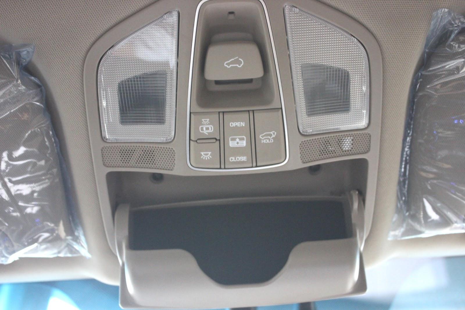 Nội thất xe Hyundai Santafe New Model màu vàng cát 05