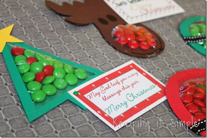 Christmas M&M pouches #freeprintable (11)