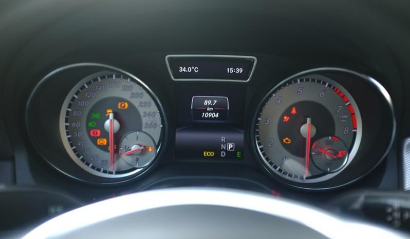 Nội thất xe Mercedes Benz CLA250 4MATIC 2014 AMG Kit màu tím 010