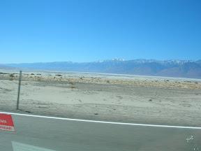 169 - Sierra Nevada y el lago salado.JPG