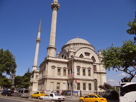 04. Dolmabahce Mosque.JPG