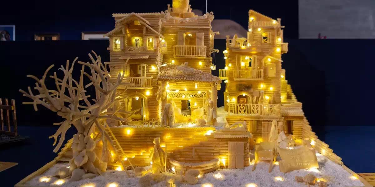 Toà thánh trưng bày các hang đá mừng Chúa Giáng sinh đủ kiểu, đủ loại từ khắp nơi trên thế giới