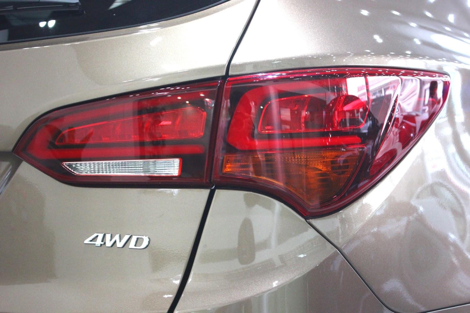 Xe Hyundai Santafe New Model màu vàng cát 08