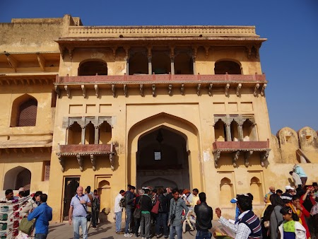 18, Intrare Amber Fort.JPG