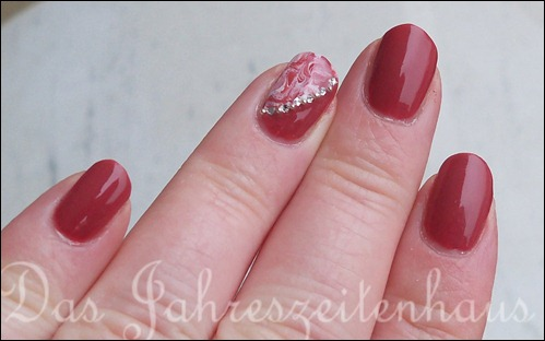 Essie In Stitches Marbling 2
