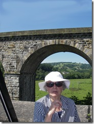 Gladys on the Aquaduct, railway behind