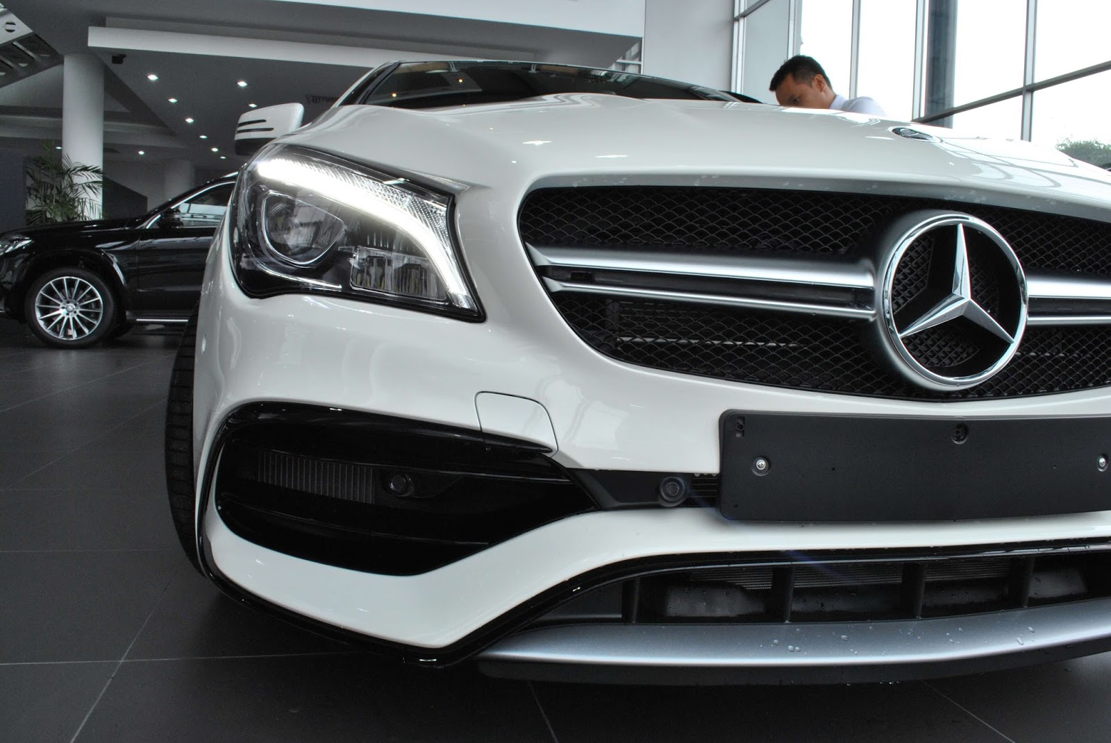 Xe Mercedes Benz CLA45 AMG 02