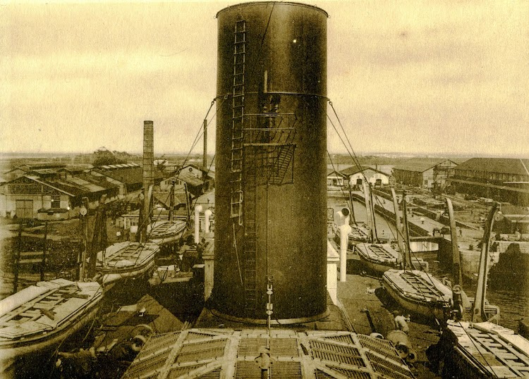 Marzo de 1922. Instalación de botes salvavidas. Libro Obras S.E. de C. N. Año 1921.jpg