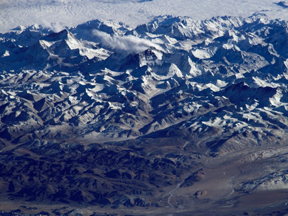 mount-everest-from-the-space