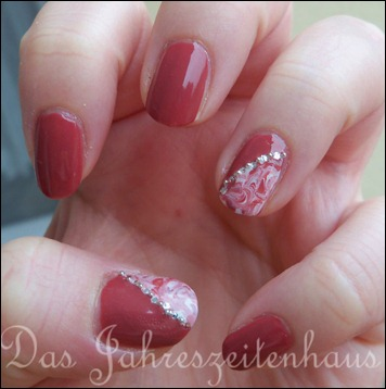 Essie In Stitches Marbling 4