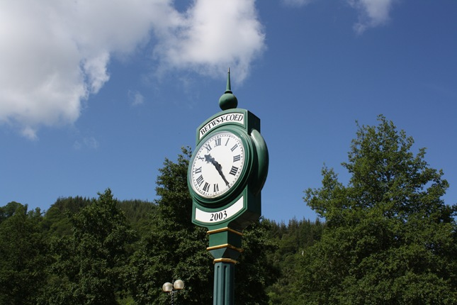 Betwys-Y-Coed station clock
