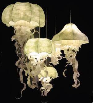 Những chú sứa sáng huyền ảo khi trở thành đèn trang trí