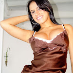 Andrea Rincon - Selena Spice - Striptease Segunda Prenda Foto 3