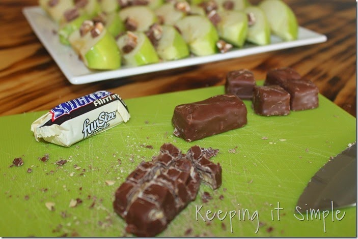 #ad Apple-SNICKERS®-Delight #WhenImHungry (3)