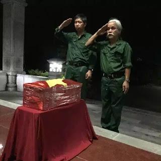 Lễ cải táng liệt sỹ Phạm Xuân Minh, em trai nhà phê bình văn học Phạm Xuân Nguyên, do gia đình và đồng đội tự tổ chức tại nghĩa trang Tây Ninh.