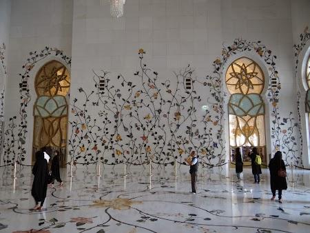 Intrare moschee Abu Dhabi
