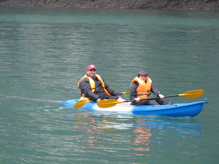 67. canoe Halong bay.JPG