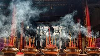 Đài Loan đang rất nỗ lực hạn chế tác hại môi trường của việc đốt nhang.