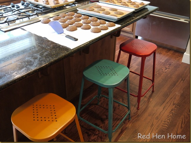 stools, guest chalet 004