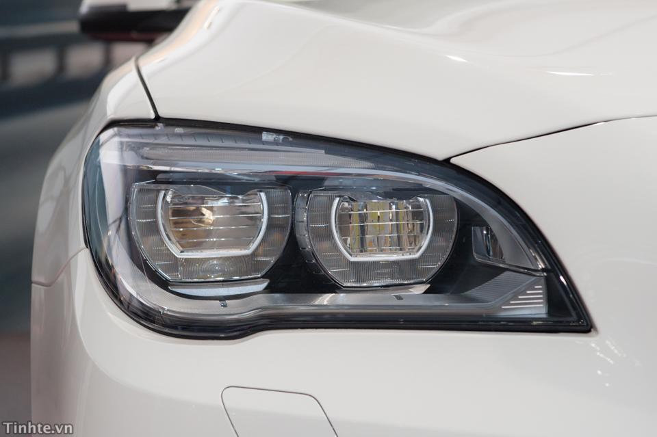 Xe BMW 750Li New Model Màu Trắng 05