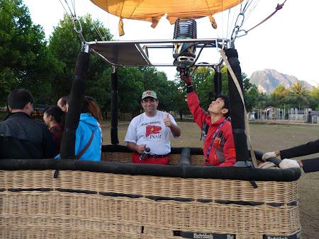 Cu balonul in Laos: gata de decolare cu balonul