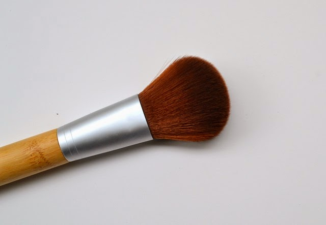SOHO Naturals Powder Brush