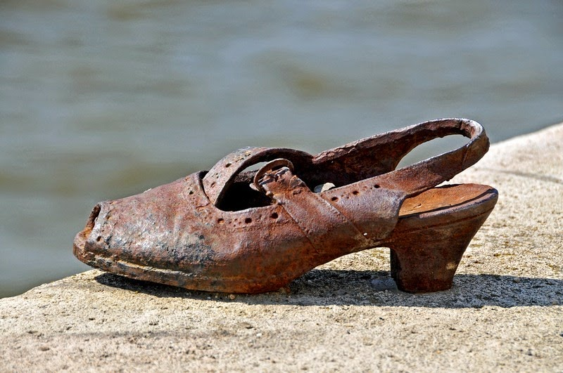 shoes-on-danube-7