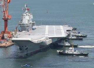 Hàng không mẫu hạm Tàu cộng vứt chỏng trơ giữa biển vì thương chiến