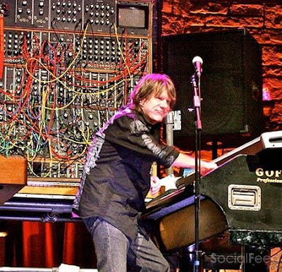 Keith Emerson 1944 2016 We regret to announce that Keith Emerson died