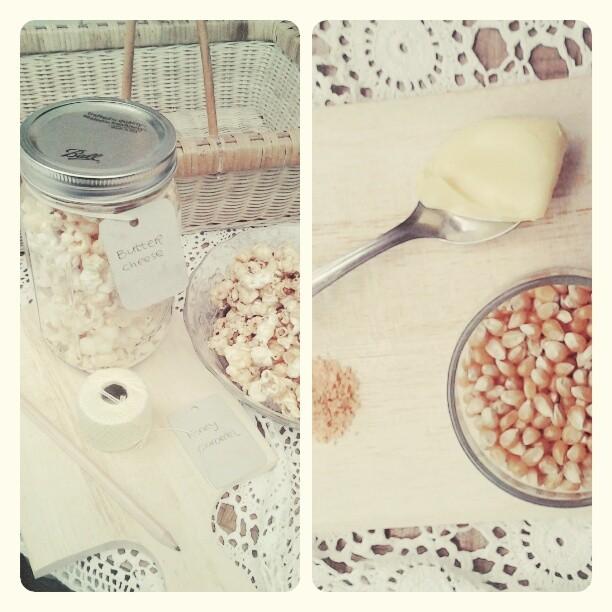 Popcorn mentega+keju dan caramel honey.