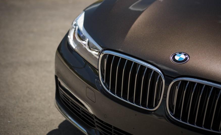Ngoại thất xe BMW 730Li new model 04