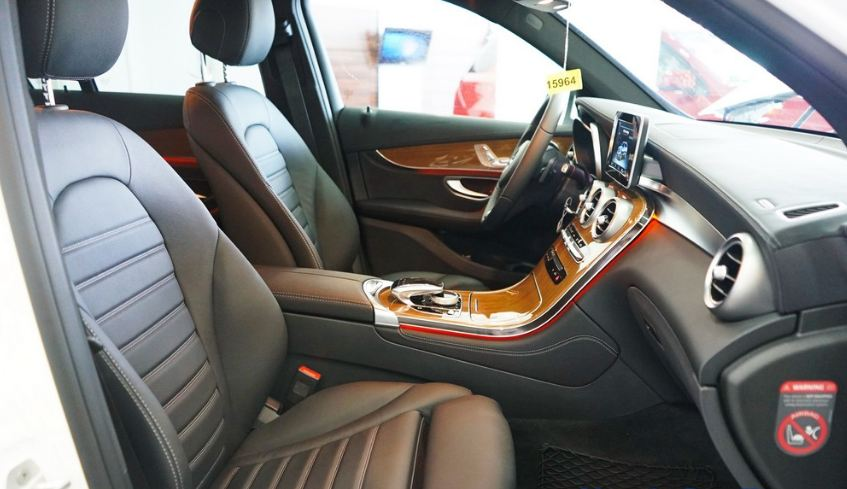 Nội thất xe Mercedes GLC 250 4Matic 07