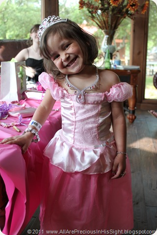 Chrissie's princess party and surgery 003
