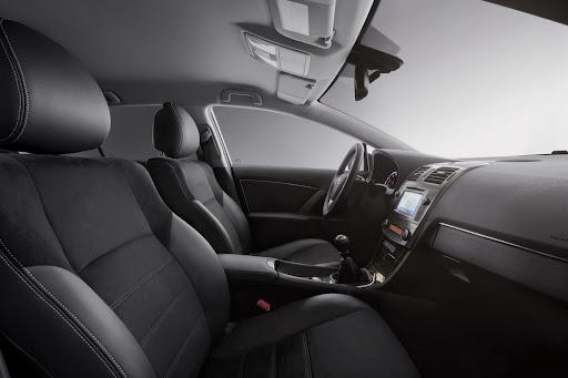 Toyota_Avensis-15.jpg