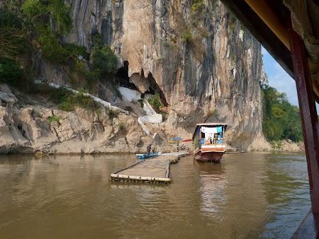 31. Pestera Pak Ou pe Mekong.JPG