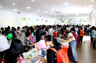 """Rộn ràng """"Hội sách Nửa giá"""" ở Sài Gòn"""