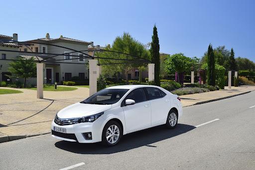 2014-Toyota-Corolla-35.jpg