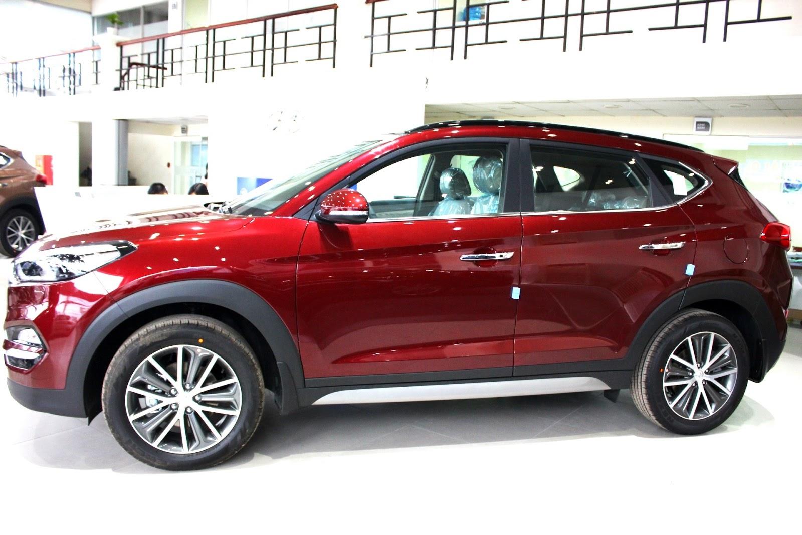 Xe Hyundai Tucson 2018 màu đỏ 03