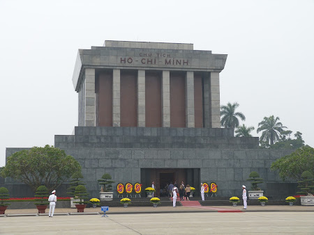 36. Mausoleu Ho Chi Minh.JPG