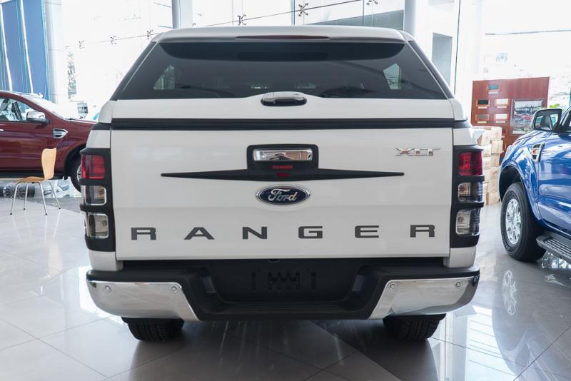 Xe Bán Tải Ford Ranger Hoàn Toàn Mới màu trắng 09