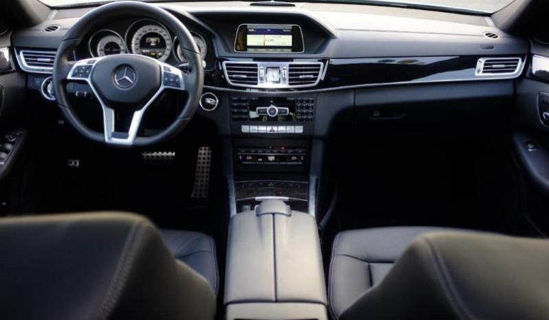 Nội thất xe Mercedes Benz E250 cũ màu xám 06